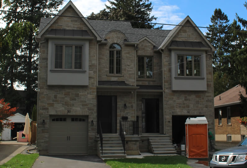 Two semi detached houses in mississauga lima architects inc for Modern homes mississauga